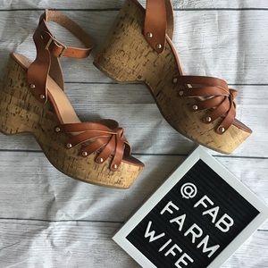 EUC Mossimo women's wedge heel sandals. Size 10.